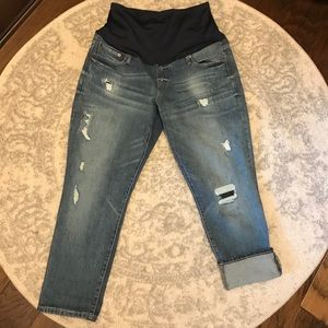 Gap Maternity Crop Jean